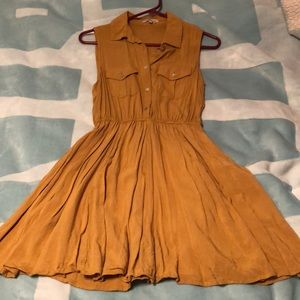 Charlotte Russe sleeveless button up dress